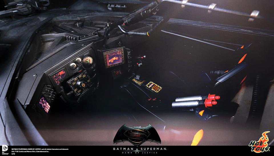 Hot Toys Batman v Superman Batmobile Cockpit