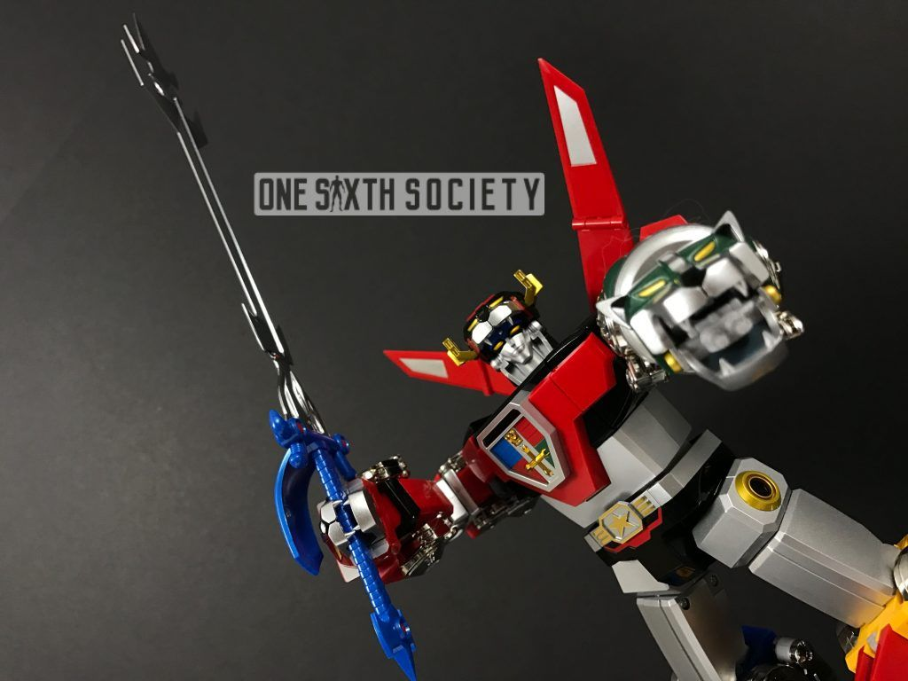 The Detail on the Bandai Soul of Chogokin Voltron GX 71 Arms are amazing!