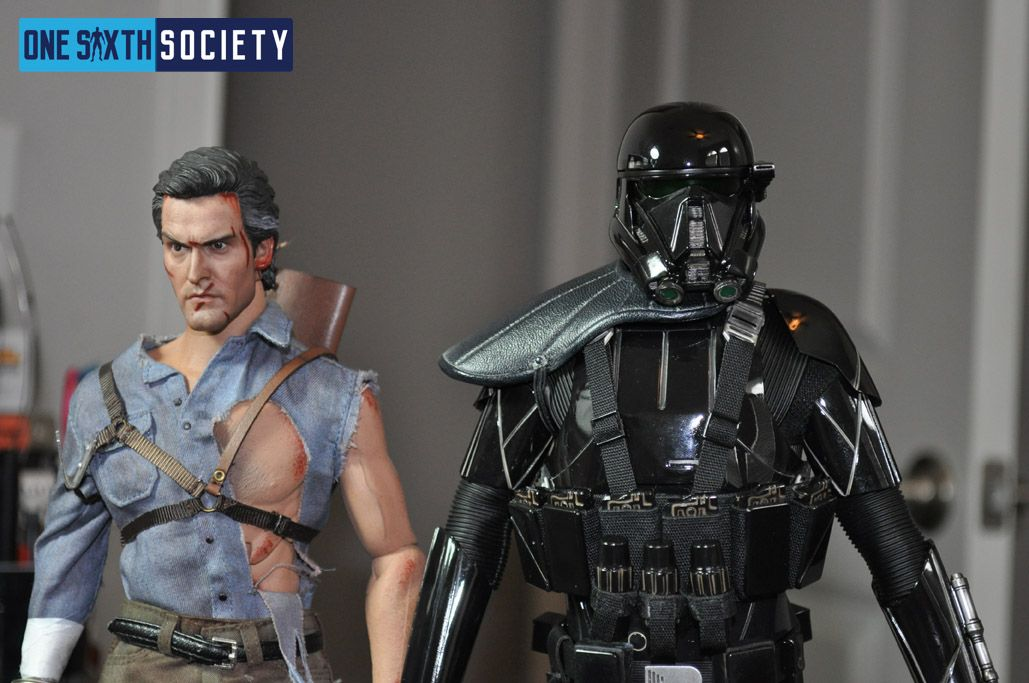 Comparison Between Evil Dead Bruce Campbell and Hot Toys Death Trooper Deluxe