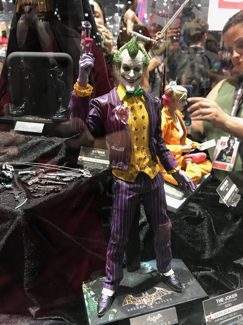 hot-toys-comic-con-2017-d-c-comics-figures-1