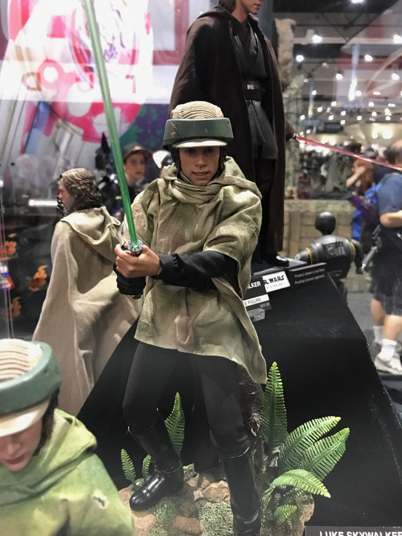hot-toys-comic-con-2017-star-wars-figures-10