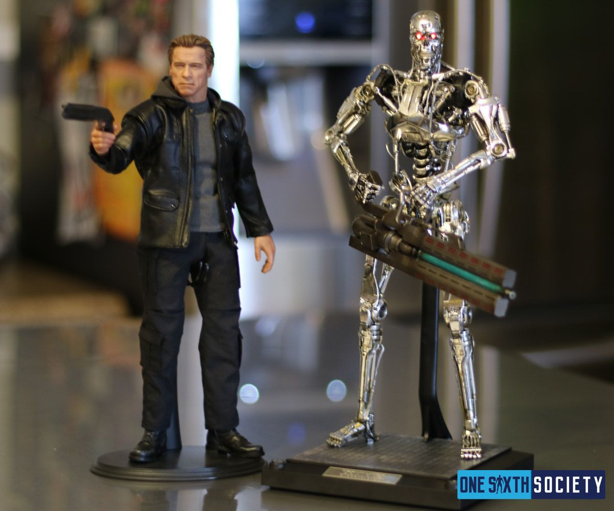 Finally together at last is the Hot Toys Terminator Genisys Endoskeleton And Arnold figures